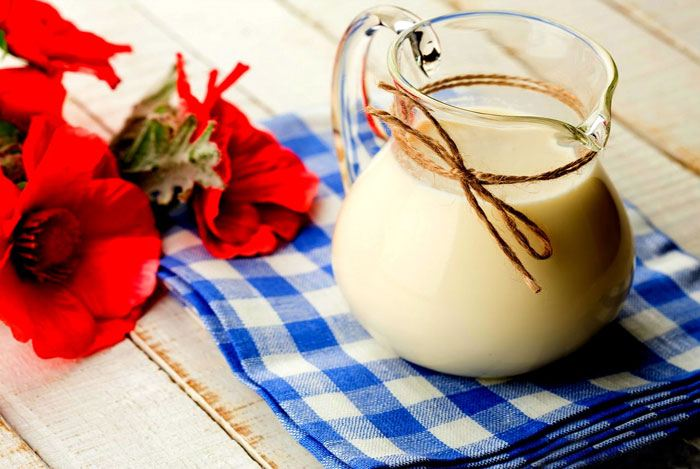 home remedies for pimples Milk Or Yogurt & Honey
