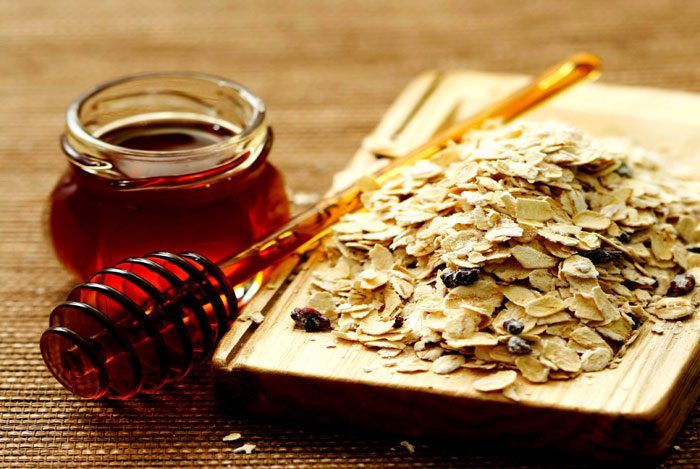 home remedies for pimples Honey & Oatmeal