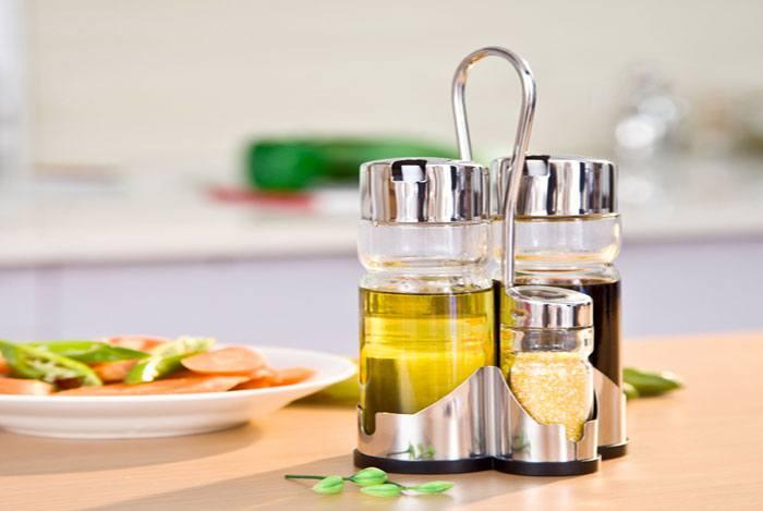 home remedies for pimples Salt & Olive Oil