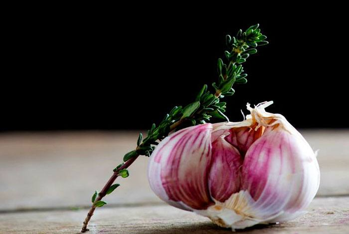 home remedies for pimples garlic
