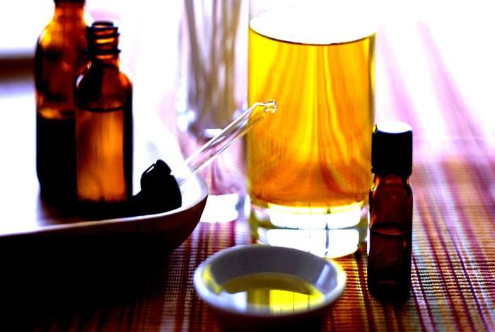 home remedies for dandruff TEA TREE OIL