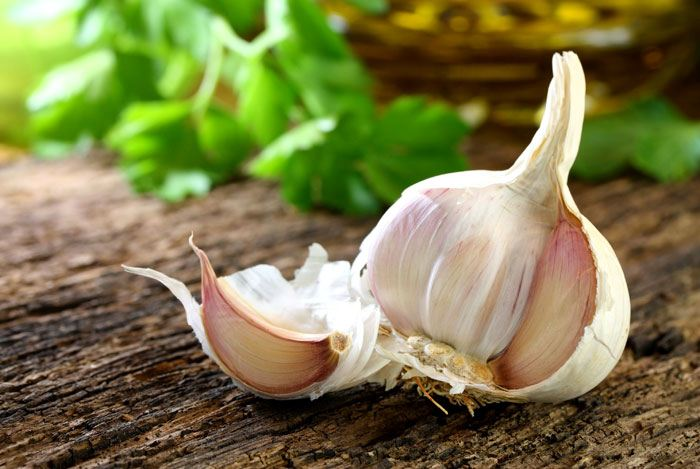 home remedies for pink eye garlic