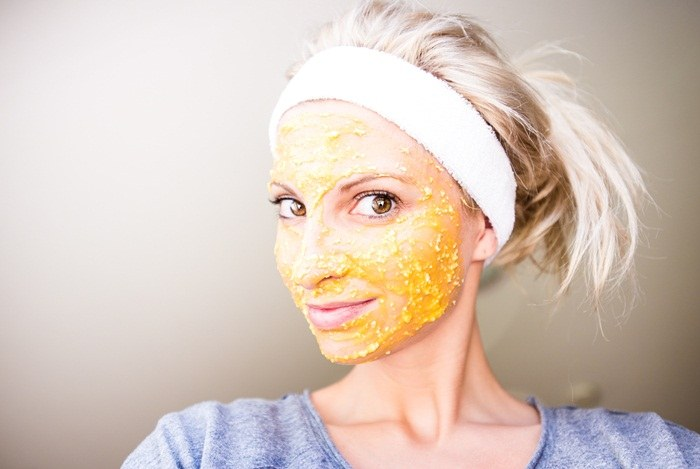 Papaya - honey - oatmeal mask